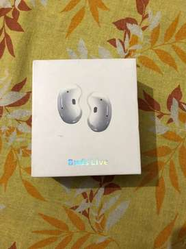 Samsung galaxy buds live white