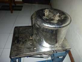(SWADAYA TEKNIK JOGJA),mesin spinner,model meja,pakai dinamo wattkecil