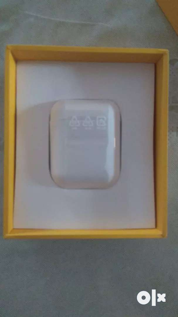 Realme buds air got as gift 15 days old only 0