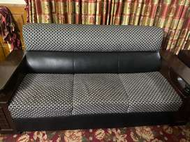 9 seater sofa only 6 months use for sale like brand new