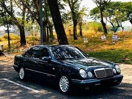 Mercedes Benz E320 Elegance 1997 Automatic Smarag Black Plat L TERAWAT