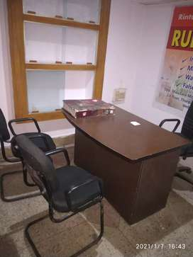 Full furnished office for sharing avilable on the road
