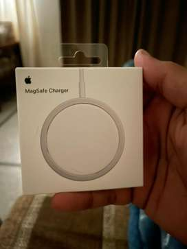 Magsafe charger for Iphone 12 pro