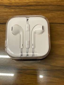 Apple ear phones with mic