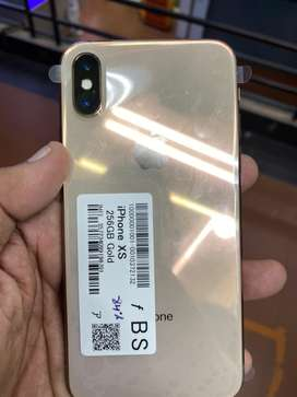 Xs 256gb no scraches no dent slightly used