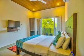 AC ROOMS AVAILABLE FOR DAILY BASIS