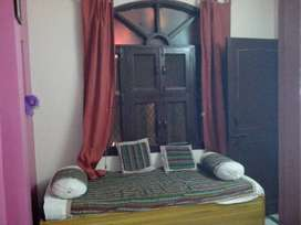 ground floor  with 5 room available for 7000
