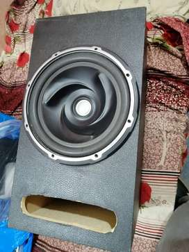 Woofer with big box and amplifier only 10 days use kiya ha