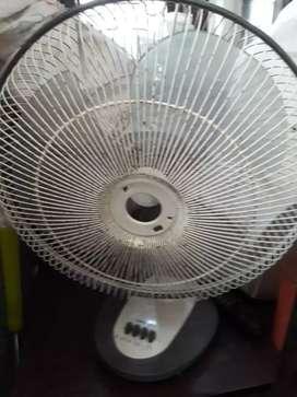 Computer, fan white, radio,speker