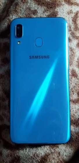 Samsung A30 (4/64 GB)  6.5 MONTH