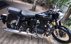 ROYAL ENFIELD CLASSIC PURE BLACK SALE AT ALLEPPEY NETHAJI JUNCTION
