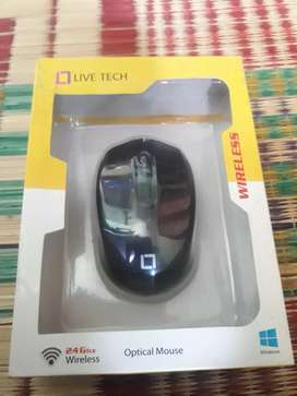 Live tech wireless mouse with high dpi and 2 batteries
