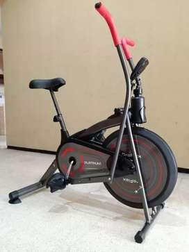 Sepeda statis 2f