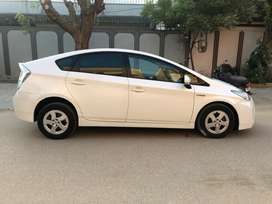 Toyota Prius 2010 1.8 Reg 2014 Pearl White 100% Original Like New