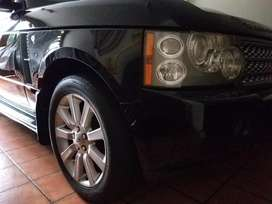 Range Rover Vogue LC Supercharged 2007 Full Option Black on Beige