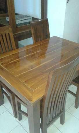 meja dan kursi kayu jati