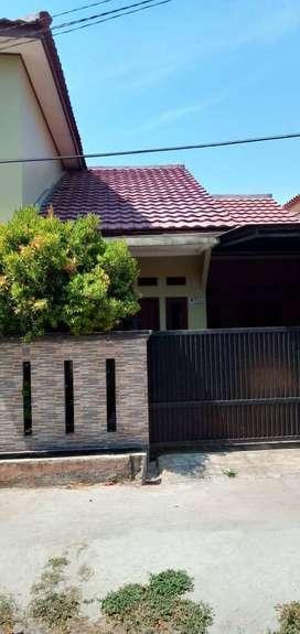 Jual Rumah 2nd layak huni di Pasar Rebo Jaktim LT166 LB175 harga 1,2 M