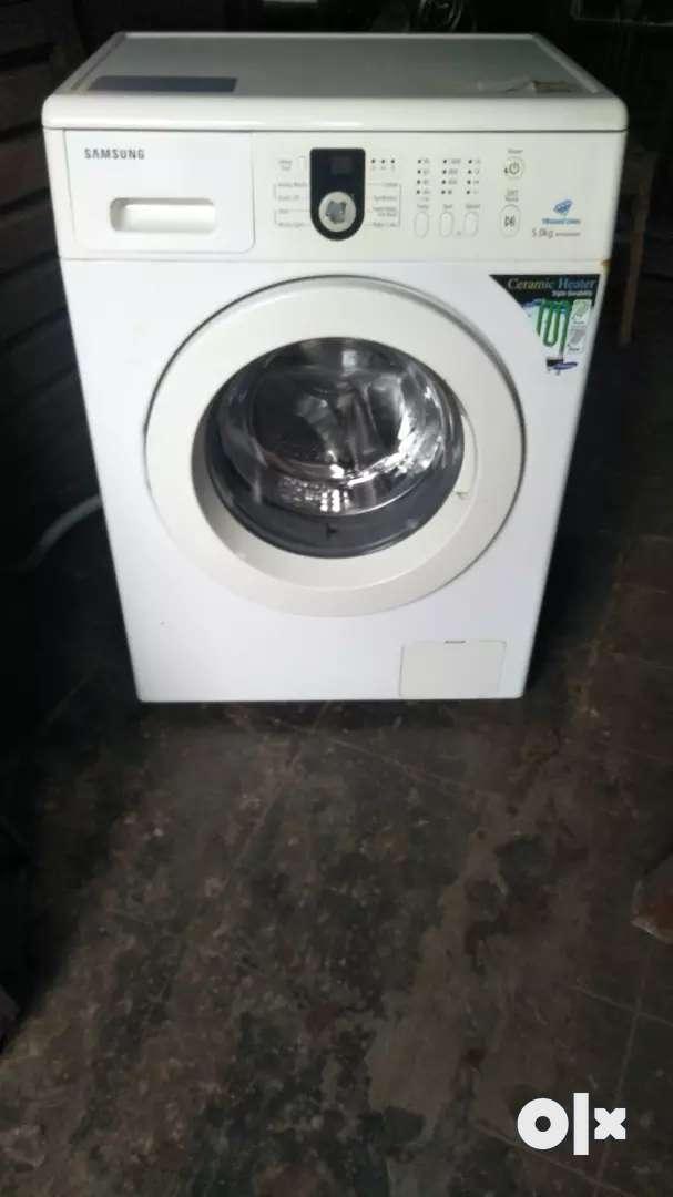 Samsung front loader 5 kg washing machine good condition 0