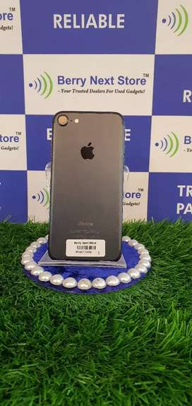 Apple iPhone 7 32GB - Excellent Condition with Bill
