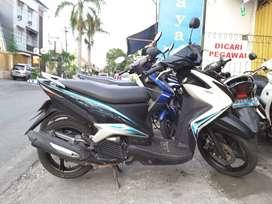 Jual yamaha Mio xeon 125cc 2010 helm in..promo murah Tofeli JAYA motor