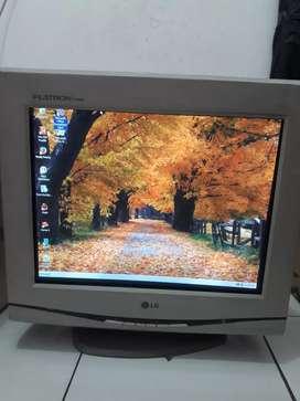 Monitor Komputer LG Flatron F700B