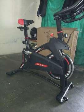 Sepeda statis spin bike ( sepeda balap murah)