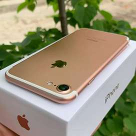 Apple iPhone 7 models is available with box and all accessories .