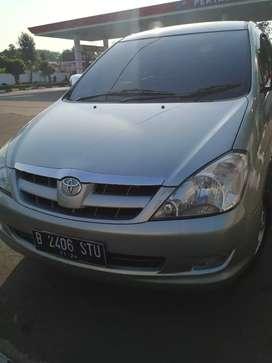 Toyota Kijang Inova V AT Bensin