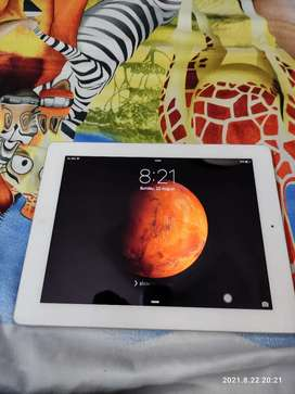 Ipad  with smart cover with charger