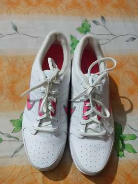 NIKE ORIGINAL IMPORTED BRAND NEW SHOES.