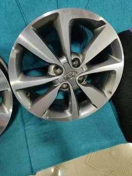 16 inches i20 diamond cut original stock alloys wheels light uesd