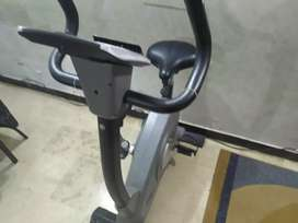 ADVANCE FITNESS MACHINE AL-906B exercise cycle