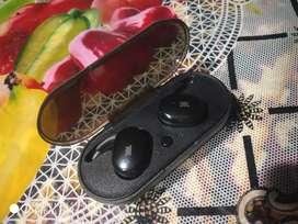 JBL tw 24 truly Wireless in ear headphone