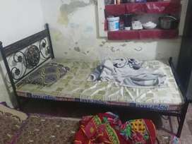 Single Bed metal and matress good condition