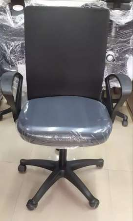 Used mesh featherlite chair at 1950 only with 1 year warranty