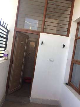 2BHK IN ZIRAKPUR, FULLY INDEPENDENT, SEMI FURNISHED
