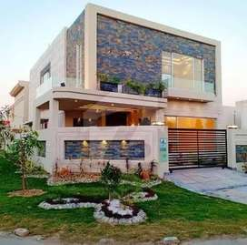 E-11 Ideal 4/Bed House Very Reasonable Rent (10 Marla)