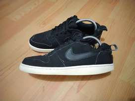 Dijual sepatu Nike hitam