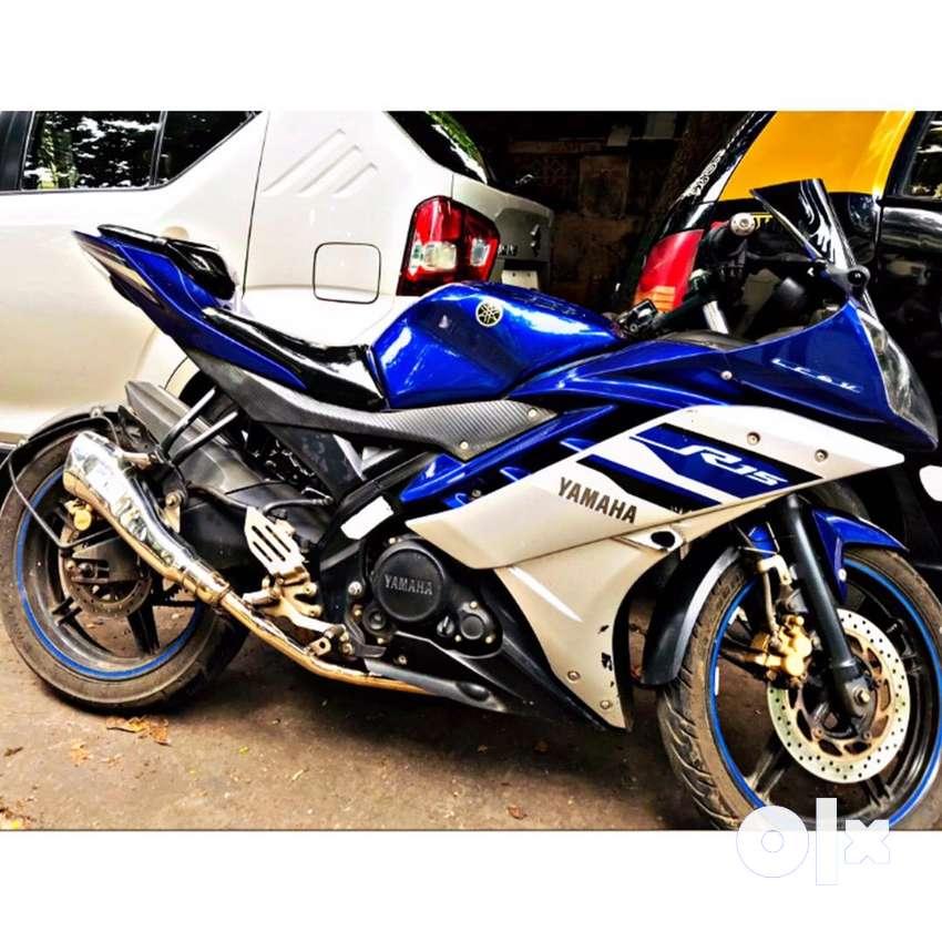 Yamaha r15 v2 special edition 0