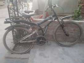 Hercules cycle only 1800rs