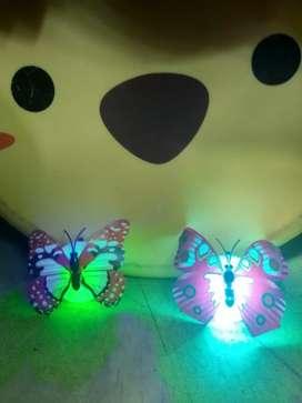 Kupu-kupu LED dengan lampu kelap-kelip