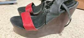 Sepatu sendal sol kayu ringan