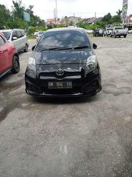 Dijual mobil toyota yaris tahun 2012 manual type 5 1,5