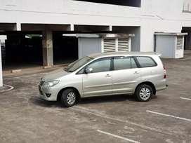 Dijual Toyota Innova G matic 2012
