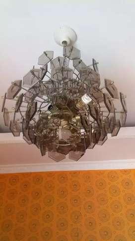 Lampu gantung kristal dua tingkat