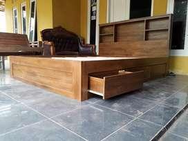 Dipan minimalis dengan laci kayu jati