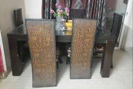 6 seater dining table in a good condition