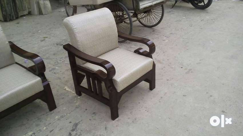 New wooden designer sofa set 5 seater 3+1+1 in teak wood 0