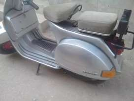 Vespa scooter Italian150(imported from Italy)no sms only call.