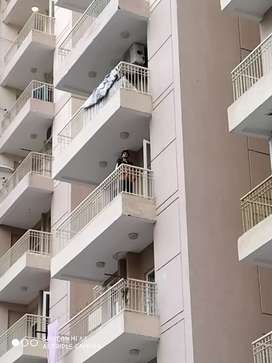 2bhk unfurnished flat available for rent in Ajnara homes